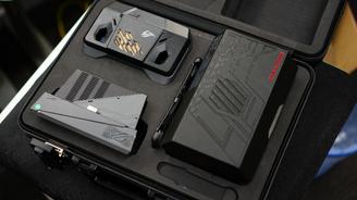 玩家国度ROG游戏手机电竞装甲限量版