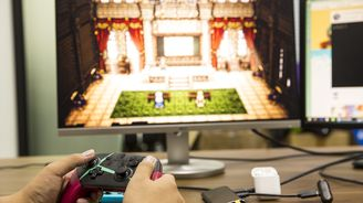 任天堂Switch六合一多功能便携底座评测