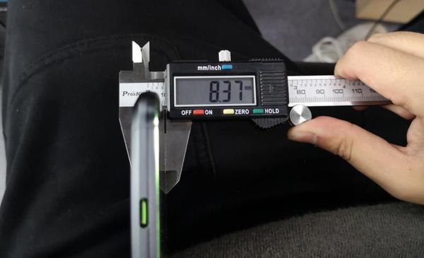 黑鲨游戏手机Helo上手测评 极致游戏体验新装备
