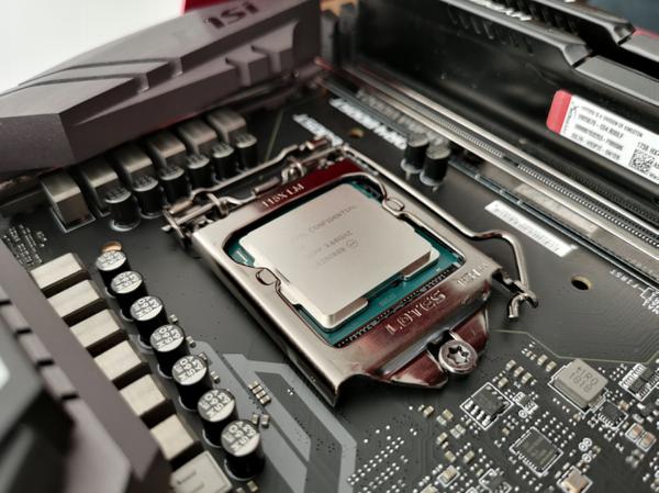 一览众山小!14nm最强的战士英特尔酷睿 i9-9900K处理器评测