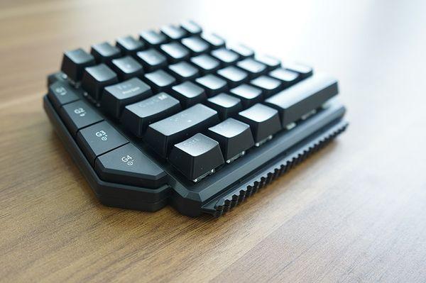GameSir VX单手键盘评测 带队吃鸡一只手就够了