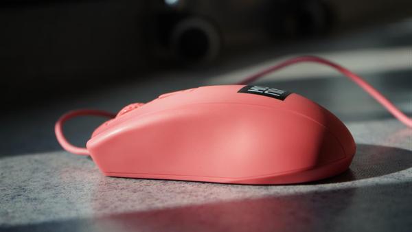 Mionix AviorColor鼠标测评 游戏鼠标也可领略潮流新配色