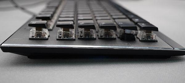 美学与工艺合一的载体 冰豹ROCCAT Vulcan 120机械键盘评测