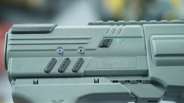 全平臺槍型控制器X-Rover沙漠之狼開箱體驗