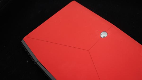 高颜值性能怪兽 外星人轻薄游戏笔记本Alienware m15体验测评