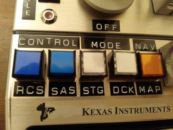 國外硬核玩家將40年前電腦改造成了太空游戲控制臺
