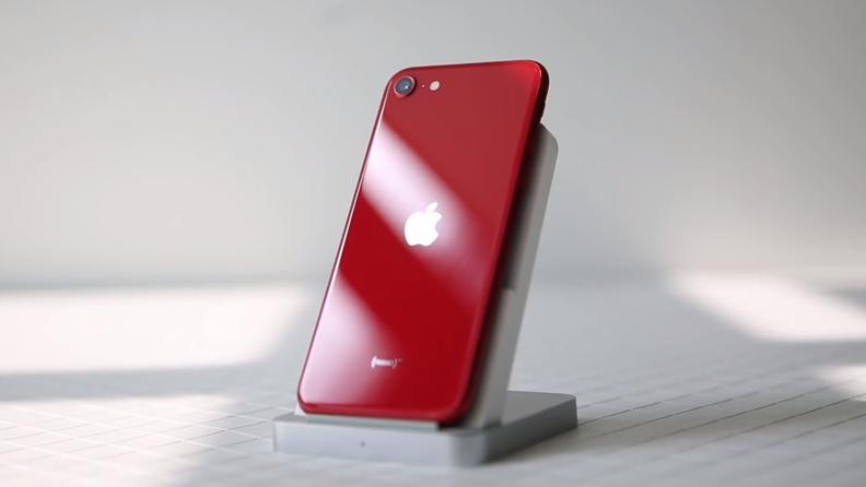 新版iPhone SE开箱体验:3000多元的价格 这部iOS小屏机值得入手吗?