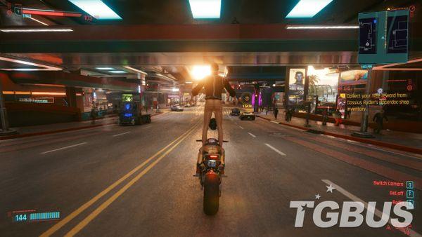 《赛博朋克2077》中一个开车bug成功被网友们玩坏了